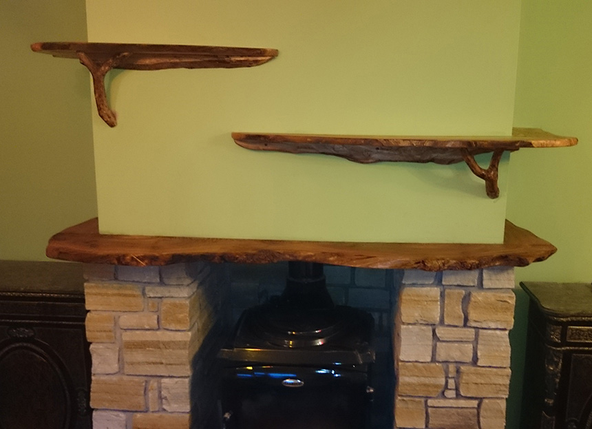 Charmant Mantlepiece And Shelves